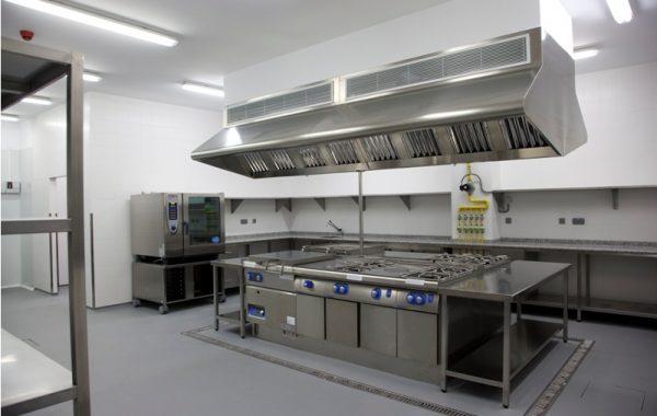 Vera maquinaria de hosteleria m s de 35 a os de experi ncia for Menaje de cocina para restaurante