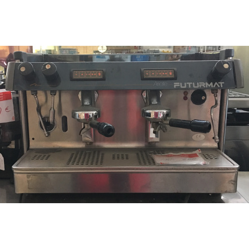 Vera maquinaria de hosteleria cafetera futurmat for Mobiliario cafeteria segunda mano